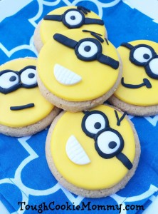 DIY Minions Sugar Cookies Decorating #FandangoFamily @Fandango $50 GC #Giveaway #Ad