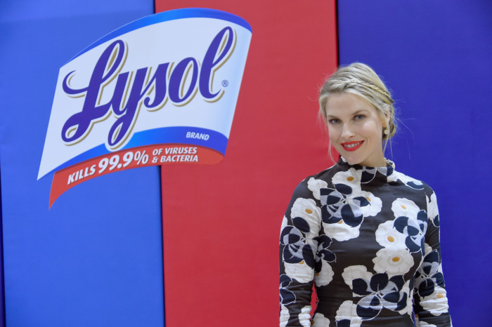 BRONX, NY - OCTOBER 06: At the Lysol Back to School Science Fair, Lysol and actress Ali Larter challenge a group of fourth grade students from the Madison Square Boys and Girls Club of America to a hands-on science experiment to provide solutions on how to rid classrooms of uninvited germ-mates on October 6, 2016 in Bronx, New York. (Photo by Ben Gabbe/Getty Images for Lysol)