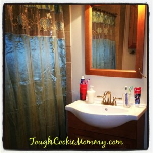 Upgrade Your Bathroom Experience! #TuiteaDesdeElTrono @CharminLatino #Partner